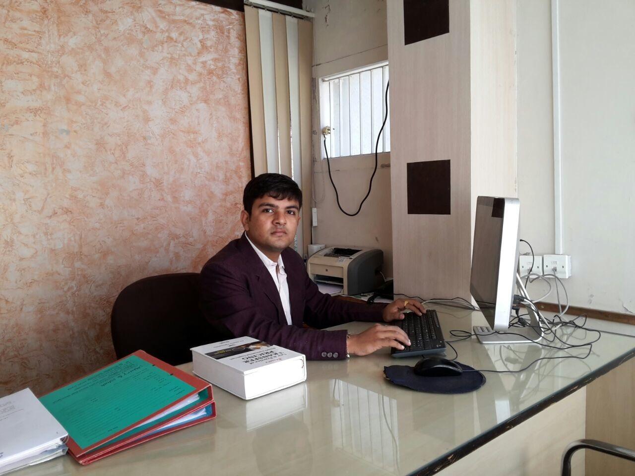 M.Com., A.C.A., A.C.S.. Chartered Accountant